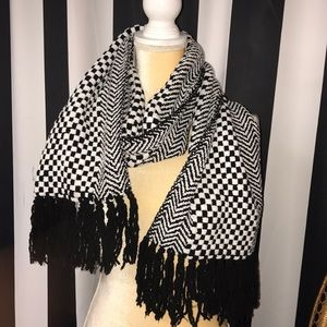 Collectioneighteen scarf
